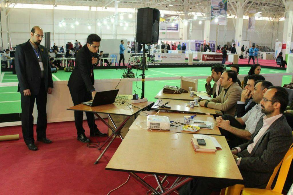 صعود تیم رباتیک زند به مسابقات روبوکاپ آزاد ایران