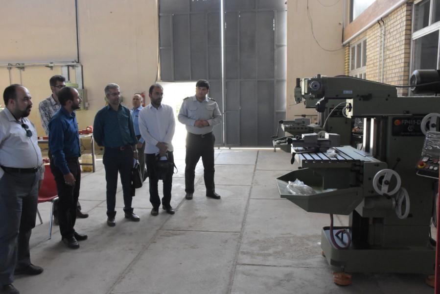 بازدید مسئول سازمان بسیج علمی، پژوهشی فارس از مرکز کارآفرینی و نوآوری زند