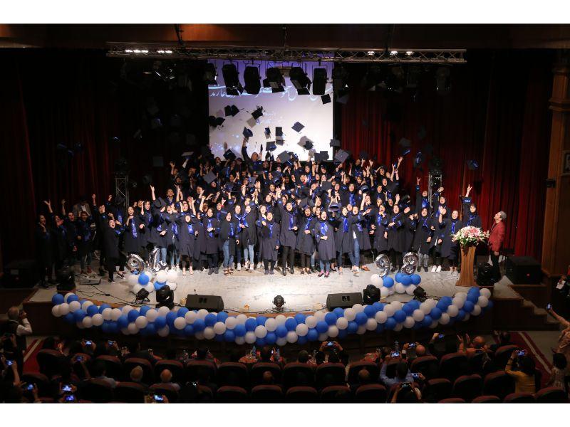 جشن بزرگ دانش آموختگان دانشکده های زند شیراز برگزار شد